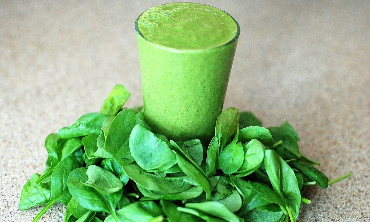 Νιώθεις πεσμένη; Αυτό το πράσινο smoothie θα σε γεμίσει ενέργεια