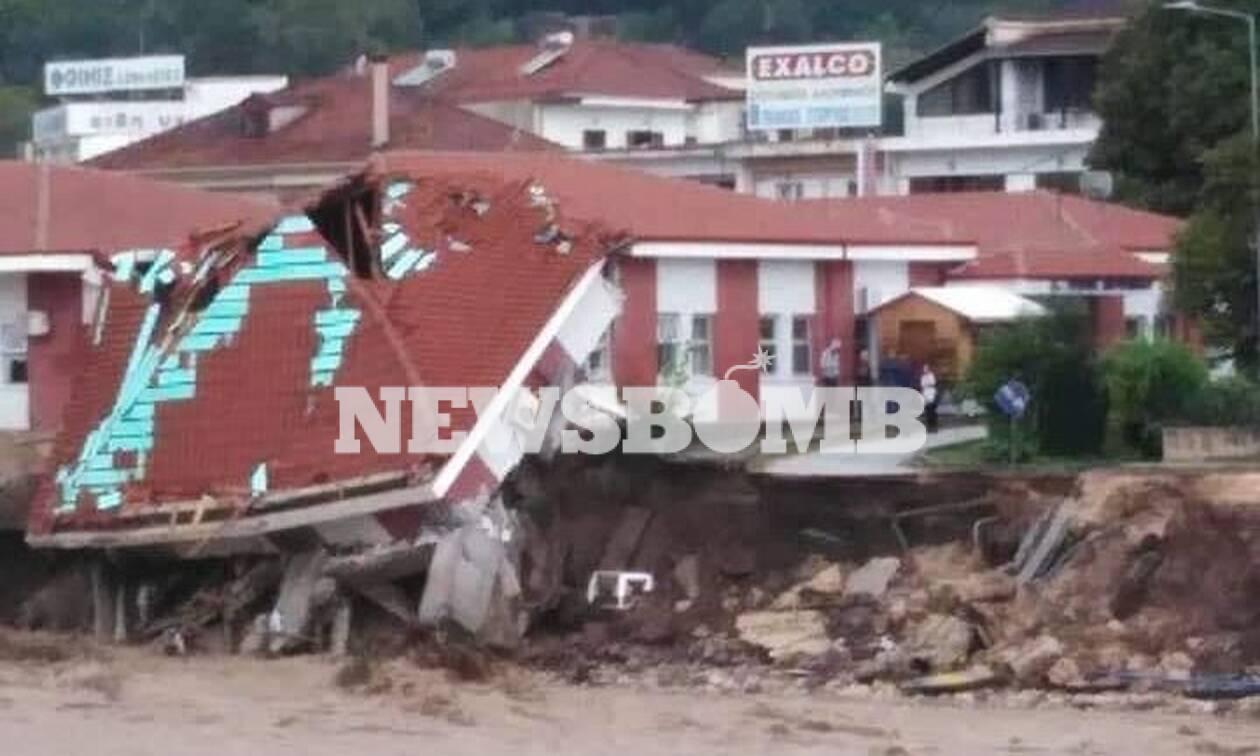 Κακοκαιρία Καρδίτσα: Κατέρρευσε το κέντρο Υγείας στο Μουζάκι