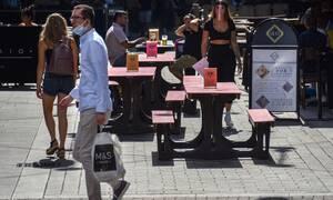 Κορονοϊός - Βρετανία: Αριθμός ρεκόρ νέων κρουσμάτων