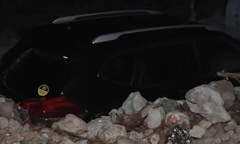 Κακοκαιρία Ιανός: Εικόνες βιβλικής καταστροφής στην Κεφαλονιά - Θάφτηκαν σπίτια και αυτοκίνητα