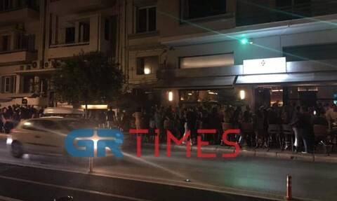 Κορονοϊός - Θεσσαλονίκη: Διασκέδαση χωρίς… αποστάσεις μέχρι τα μεσάνυχτα (pics)
