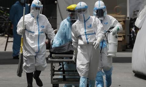 «Καλπάζει» ο κορονοϊός στον πλανήτη: Πλησιάζουν το 1.000.000 οι νεκροί