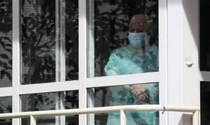 Κορονοϊός: Ολοένα και αυξάνονται οι νεκροί - Τέταρτος θάνατος μέσα σε λίγες ώρες