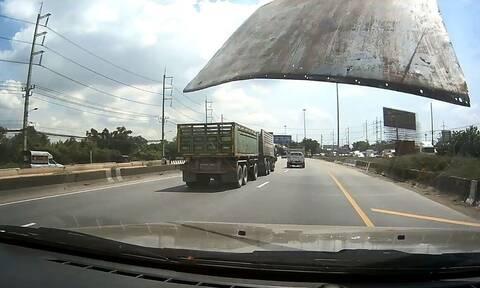 Οδηγός καταγράφει με κάμερα το... απίθανο! Σώθηκε από θαύμα (video)