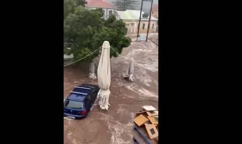 Κακοκαιρία Ιανός: Η στιγμή που το Φισκάρδο πνίγεται στη λάσπη