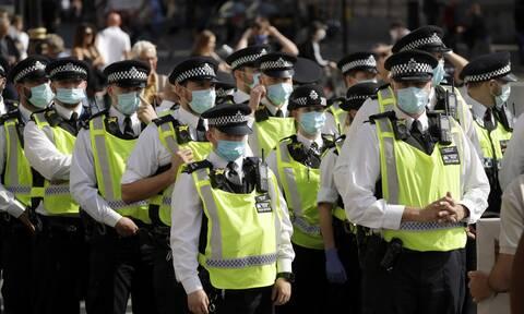 Κορονοϊός: Ένα βήμα πριν το δεύτερο lockdown η Βρετανία - «Είμαστε σε λάθος κατεύθυνση»