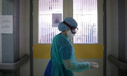 Κορονοϊός - Νοσηλεύτρια του «Σωτηρία»: «Όσοι μπαίνουν πια στις ΜΕΘ, δεν βγαίνουν» (vid)