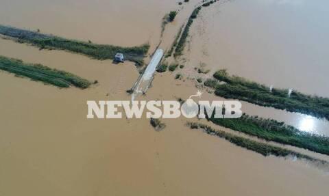 Κακοκαιρία Ιανός: Με δύο ελικόπτερα ο απεγκλωβισμός κατοίκων στην περιοχή Οξυά Καρδίτσας