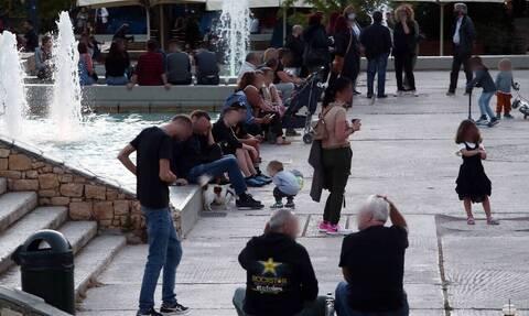 Κορονοϊός: «Lockdown» σε πλατείες και πάρκα - Αυτά είναι τα μέτρα που εξετάζει η ΕΛ.ΑΣ.