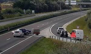 Απίστευτο ατύχημα με Nissan Navara που μπήκε ανάποδα σε αυτοκινητόδρομο