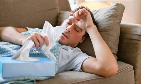 Προσοχή: Πώς θα ξεχωρίσετε αν έχετε κορονοϊό ή μια απλή γρίπη