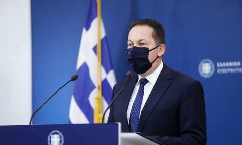Κορονοϊός - Πέτσας: Υπάρχει ανησυχία, δεν έχουμε αποκλείσει τα τοπικά lockdown