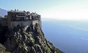 Κορονοϊός - Άγιο Όρος: Σε ισχύ έκτακτα μέτρα λόγω της έκρηξης κρουσμάτων