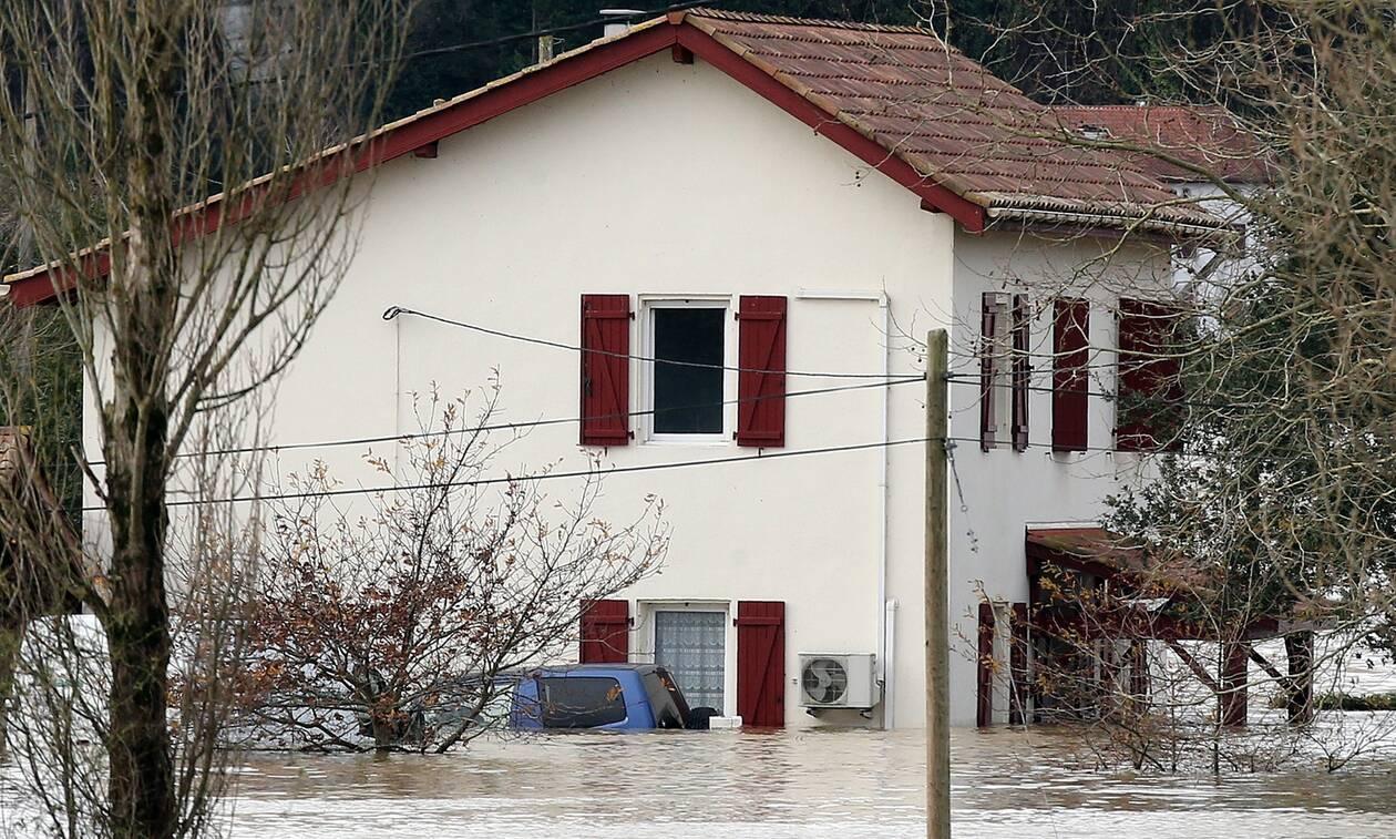 Γαλλία: Ένας νεκρός και μία αγνοούμενη από τις σφοδρές καταιγίδες