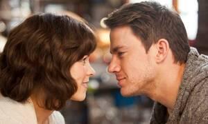 Πώς καταλαβαίνει μια γυναίκα ότι τη γουστάρει ένας άντρας