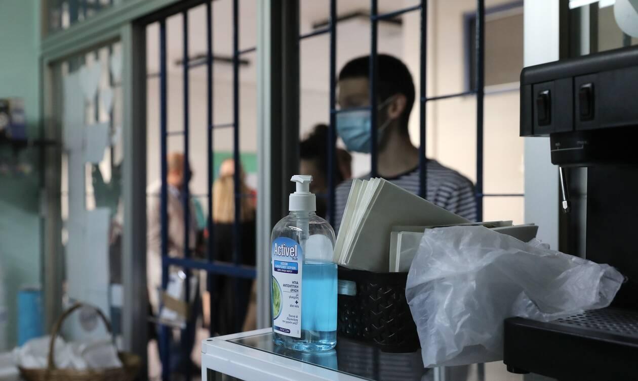Κορονοϊός: Eφιαλτική πρόβλεψη από τον «Τσιόδρα της Γερμανίας»