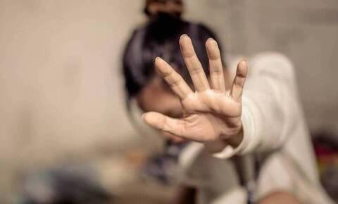 Σοκ στα Γιάννενα: Έβγαλε μαχαίρι και προσπάθησε να βιάσει 35χρονη
