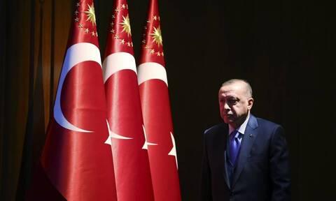 Καταρρέει η τουρκική λίρα! Νέο χαμηλό επίπεδο – ρεκόρ