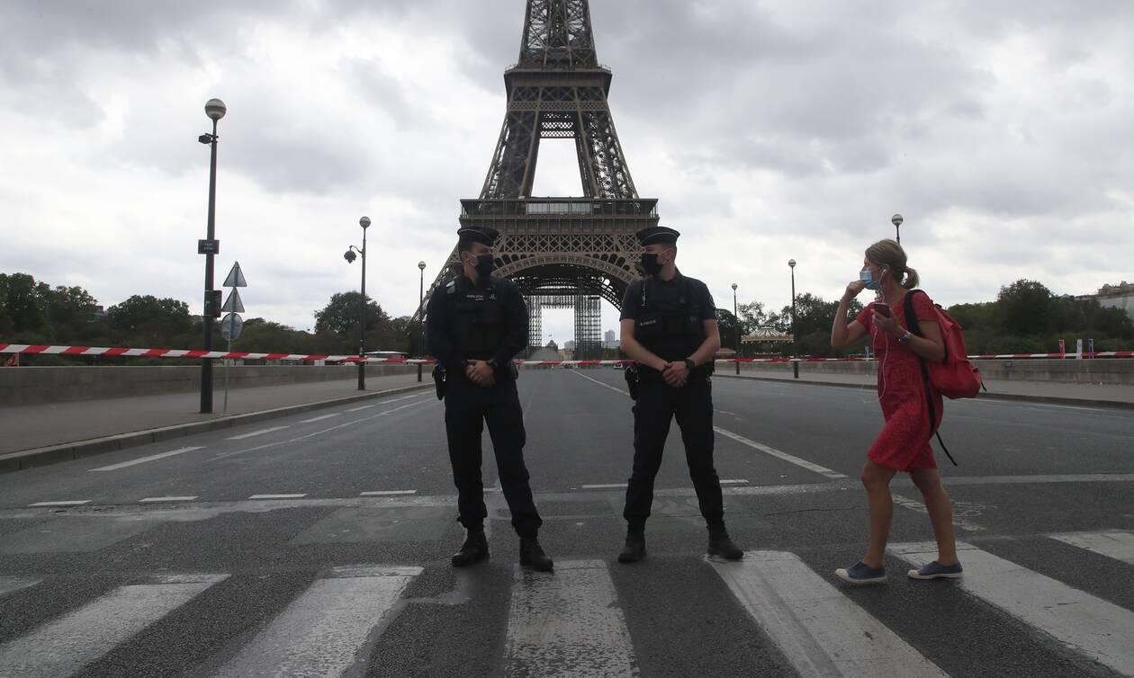 Συναγερμός στο Παρίσι: Απειλή για βόμβα στον Πύργο του Αιφελ - Live εικόνα