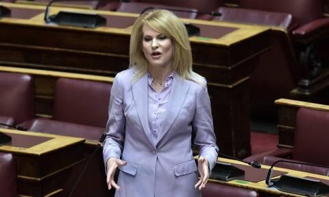 Θεοδώρα Τζάκρη: Πολιτική και εσωκομματική «θύελλα» για τις δηλώσεις της κατά Μητσοτάκη