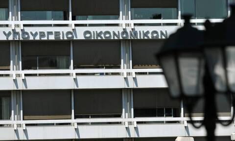 «Πόλεμος» ανακοινώσεων Αχτσιόγλου – Σταϊκούρα για τις ληξιπρόθεσμες οφειλές Δημοσίου