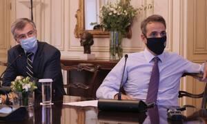 Κορονοϊός - Lockdown 2: Γιατί η κυβέρνηση δεν προχωράει σε καθολική καραντίνα;