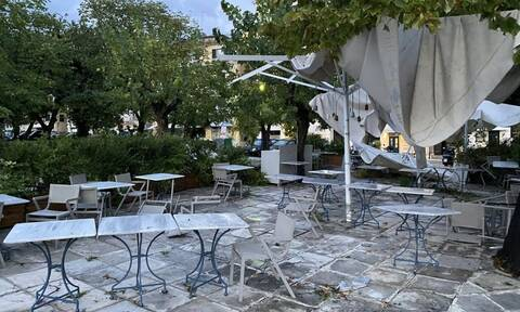 Κακοκαιρία Κέρκυρα: Καταστροφές και ξεριζωμένα δέντρα στο κέντρο της πόλης