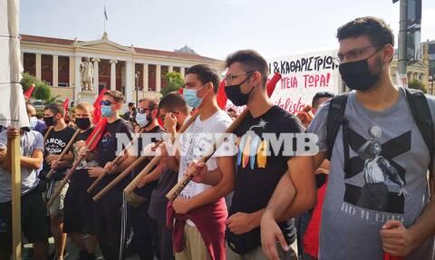 Πανεκπαιδευτικό Συλλαλητήριο στα Προπύλαια για τον κορονοϊό