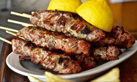 Το ελληνικό φαγητό που τρελαίνει τους ξένους δεν είναι το σουβλάκι!
