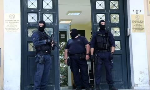 Γιάφκα στο Κουκάκι: Ποινική δίωξη για κακούργημα στον έναν από τους 3 συλληφθέντες
