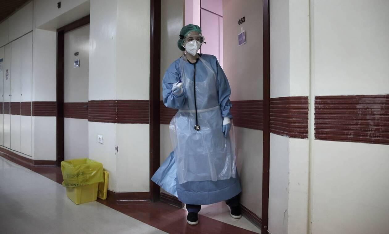 Κορονοϊός-Εξαδάκτυλος: Αν δεν τιθασεύσουμε τον ιό, η σημερινή κατάσταση θα είναι μια γλυκιά ανάμνηση