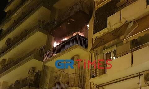 Φωτιά σε διαμέρισμα στο κέντρο της Θεσσαλονίκης: Στην εντατική δύο παιδιά και μία γυναίκα
