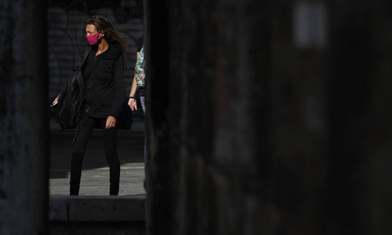 Κορονοϊός: Νέα μέτρα ανακοινώνει σήμερα ο Χαρδαλιάς - Ποιες επιλογές εξετάζει η κυβέρνηση