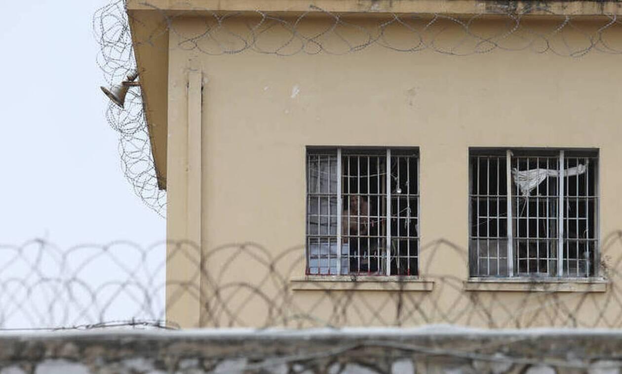 Έφοδος στις φυλακές Τρικάλων - Τι ανακάλυψε η ΕΛ.ΑΣ.