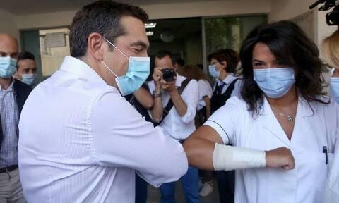 Глава греческой оппозиции Алексис Ципрас посетил больницу Эвангелисмос