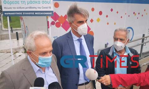 Κορονοϊός: «Τσαρλατάνοι οι αρνητές της μάσκας» - Ξέσπασε ο πρόεδρος του Φαρμακευτικού Συλλόγου