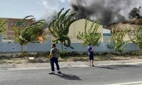 Δύο πυρκαγιές στην Κρήτη: Στις φλόγες εργοστάσιο στο Ηράκλειο - Πυρκαγιά και στον Αγ. Νικόλαο