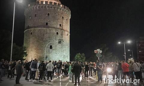 Θεσσαλονίκη: Μεταμεσονύχτια διαμαρτυρία εστιατόρων για το ωράριο λειτουργίας