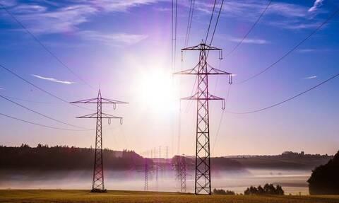 Φθηνότερο ρεύμα σε νοικοκυριά και επιχειρήσεις - Τα μέτρα του υπουργείου Ενέργειας