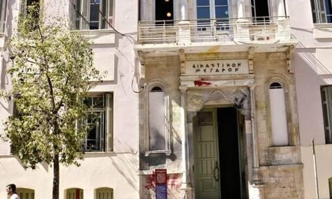Κρήτη: Έκπληκτοι οι άντρες του λιμενικού - Οι εικόνες μέσα στο σπίτι τους έστειλαν στον ανακριτή