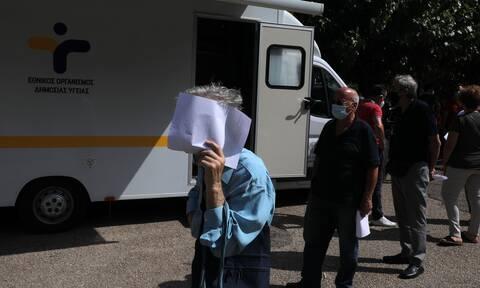 Κορονοϊός: Ανησυχία στην Κυψέλη – Τι έδειξαν τα rapid τεστ του ΕΟΔΥ