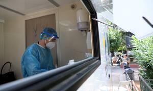 Κορονοϊός: Αρνητική εξέλιξη στην Ελλάδα – Στα 39 η μέση ηλικία των ασθενών