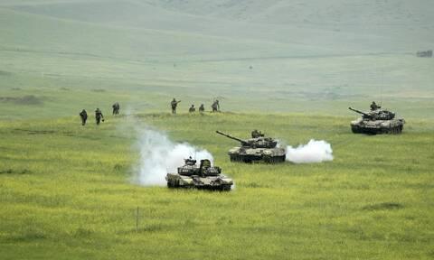 Ναγκόρνο-Καραμπάχ: Όλο και πιο κοντά σε πόλεμο η Αρμενία με το Αζερμπαϊτζάν