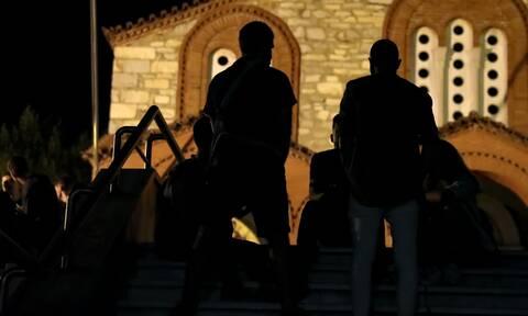 Κορονοϊός: Έρχονται νέα αυστηρότερα μέτρα - Ο ένας πάνω στον άλλον στις πλατείες