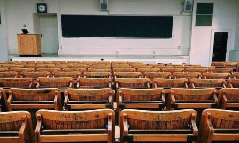 Σάλος: Καθηγήτρια έκανε σεξ με 14χρονο μαθητή της