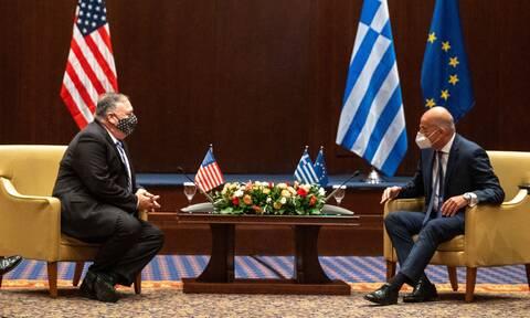 Ο Πομπέο στην Ελλάδα: Συναντήθηκε με Δένδια, δήλωσε ενθουσιασμένος για την επίσκεψη