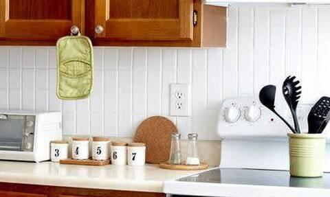 Έτσι θα καθαρίσεις αποτελεσματικά την κουζίνα σου από τα λίπη