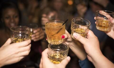 Τα κορονο-πάρτι απειλούν την Αθήνα - Νέος «πονοκέφαλος» για την ΕΛ.ΑΣ.
