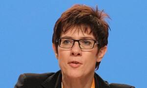 Γερμανία: Η Άνεγκρετ Κραμπ-Καρενμπάουερ πιθανή επόμενη Γενική Γραμματέας του ΝΑΤΟ