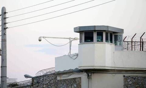 Κορονοϊός: Θετικός σωφρονιστικός υπάλληλος στις φυλακές Αγίου Στεφάνου